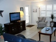 Siesta Beach-Beautifully Updated Condo-April-June Specials