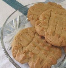 PEANUT BUTTER COOKIES – A 1940s RECIPE