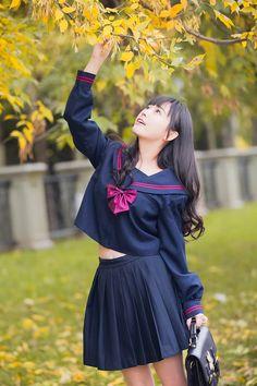 School Girl Japan, School Girl Outfit, School Uniform Girls, Japan Girl, Cute Asian Girls, Cute Girls, Sailor Fashion, School Dresses, Japanese School