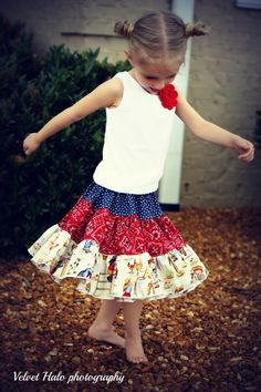 I love Fairytale Frocks & Lollipops -- some of the *most* darling clothes/patterns!!!  :)