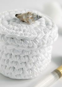 Crochet Basket, Free pattern. This would would be cute to fill with face scrubbies and give as a gift.