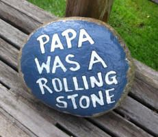 Clever stone art! :)