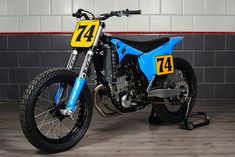 Flat Track Motorcycle, Flat Track Racing, Motorcycle Types, Baby Blue Paint, Ktm 450, Cafe Racer Magazine, Flat Tracker, Bmw Series, Bmw Motorcycles