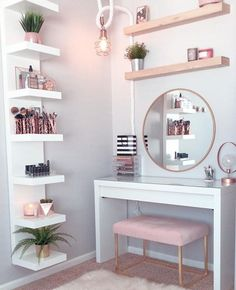 Perfte on Gorgeous pink and rose gold vanity inspiration for your Perfete home via ddelasoul. Cute Room Decor, Teen Room Decor, Room Ideas Bedroom, Bedroom Colors, Target Room Decor, Gold Bedroom, Bedroom Ideas Rose Gold, Modern Bedroom, Rustic Girls Bedroom