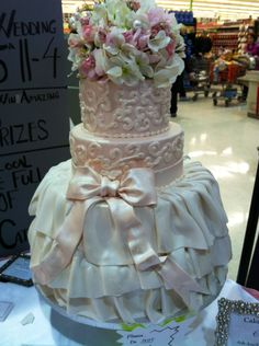 Wedding Cake At The Store Price Chopper Lovely
