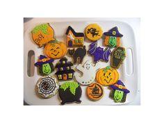 Ha Halloween, akkor nem maradhat el a kekszsütés!Vaníliás Halloween keksz receptElég nagy mennyiség kb. 40 db lesz belőle, de fém dobozba téve sokáig eláll.Hozzávalók:37,5 dkg vaj37,5