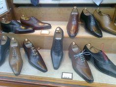 local de venta de zapatos en Paris : Chaussure