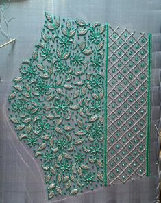 Cutwork Blouse Designs, Simple Blouse Designs, Stylish Blouse Design, Blouse Neck Designs, Hand Embroidery Design Patterns, Designer Blouse Patterns, Flower Embroidery Designs, Hand Work Embroidery, Hand Work Design