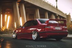 Shaun Quills BMW E36 328is on O.Z Breytons fully stanced and slammed out