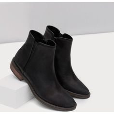 Zara Flat Leather Ankle Boots (£66) ❤ liked on Polyvore featuring shoes, boots, ankle booties, flat booties, flat leather boots, bootie boots, flat ankle boots and leather booties