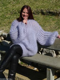 Hand Knitted Longhair Mohair Sweater Pullover by LanaKnittings Thick Sweaters, Hand Knitted Sweaters, Mohair Sweater, Sweaters For Women, Women's Sweaters, Gros Pull Long, Gros Pull Mohair, Sweater Outfits, Hand Knitting
