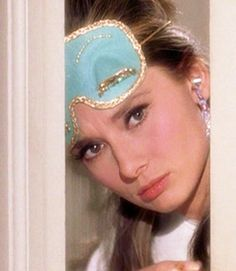 Audrey Hepburn - Breakfast at Tiffany's (Blake Edwards, 1961) I love her sleep mask