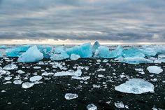 Jokulsarlon Lagoon: Black sand beach Iceland