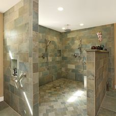 tropical bathroom by THE KITCHEN LADY, Enriching Homes With Style