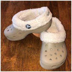 Crocs Fashion, Sneakers Fashion, Steampunk Fashion, Gothic Fashion, Fuzzy Crocs, Crocs With Fur, Crocs Shoes, Shoes Sneakers, Lined Crocs