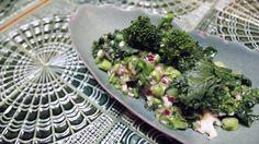 ¿Qué es el kale? Vista y huesos ¡up!¿Quién no ha oído hablar de él? Entre sus grandes propiedades, contiene vitamina A, que ayuda a mantener...