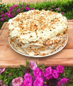 Oma's heerlijke progres taart Sweet Desserts, Sweet Recipes, Delicious Desserts, Yummy Food, Baking Recipes, Cake Recipes, Dessert Recipes, Pie Cake, No Bake Cake