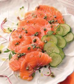 """""""Carpaccio de salmón con vinagreta de alcaparras"""" Mi Recipe, Poke Recipe, Carpaccio Recipe, Salmon Poke, Clean Eating, Healthy Eating, Ceviche, Smoked Salmon, Culinary Arts"""