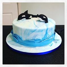 Orca cake - could be used for a birthday, aquarium celebration, beach  party - anything!
