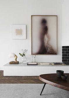 Living Room : The stylish pastel home of Jennie and Per Liljefors via Coco Lapine Design Eclectic Design, Eclectic Decor, Design Interiors, Funky Decor, Interiors Online, Modern Design, Casa Color Pastel, Sophisticated Living Rooms, Swedish Interiors