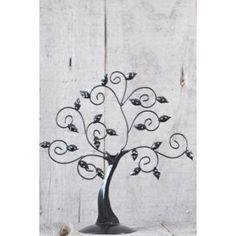 A la recherche d'un cadeau original ? Optez pour ce très bel arbre à bijoux en métal et fer forgé. Cet arbre à bijoux a été dessiné par nos propres soins. Il a été par la suite conçu en Indonésie par notre ami artisan Made, avec qui nous collaborons depuis longtemps pour la réalisations de nos créations artisanales en fer forgé.