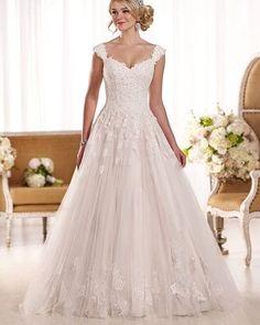 Princess style gown ����������_______________________________________________________ #wedding #weddingstyle #weddinginspo #weddinginspiration #weddingideas #weddingphoto #engaged #engagement #weddingday #love #pretty #styling #beautiful #weddingdress #weddings #weddingflowers #bride #weddinglove #weddingstyling #weddingshoes #bridalgown #bride #mermaidgown #weddinggown #essenceofaustralia #blush http://gelinshop.com/ipost/1524743394546311831/?code=BUo-gn1jmKX
