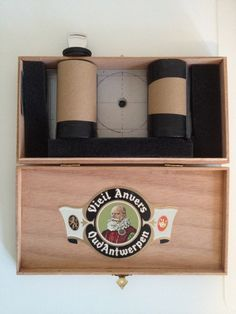 Learn how to build this medium format cigar box pinhole camera here !