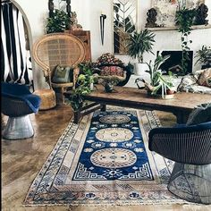 @bohemiandecor Stunning !! Love this unique interesting sitting room. Lots to look at and very boho inspired. Eclectic decor and everything just works. Lots of plants always add to the feel of the room.  #bohemiandecor#bohochic#bohoinspired#bohostyle#bohointeriors#interiors#eclectic#gypsystyle#gypsysoul#bohemian#boho#indoorplants#uniquedecor#uniqueinteriors