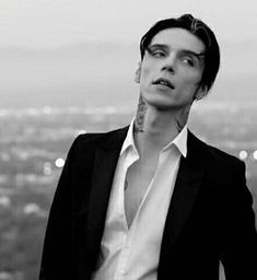 Andy Biersack/We don't have to dance Andy Black, Black Veil Brides Andy, Andy Biersack, Bad Boy Aesthetic, Beautiful Boys, Cute Guys, Pretty People, Character Inspiration, Youtubers