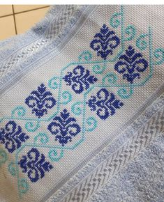Cross Stitch Embroidery, Embroidery Patterns, Cross Stitch Borders, Bargello, Bohemian Rug, Diy Home Decor, Lassi, Quilts, Blanket