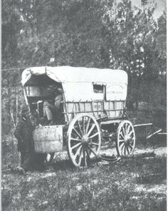 Petersburg, Virginia U. Military Telegraph battery wagon, Army of the Potomac headquarters taken in 1864 Confederate States Of America, America Civil War, Us History, American History, Covered Wagon, Civil War Photos, Le Far West, Interesting History, Military History