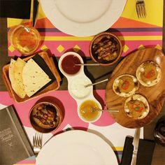 Ayer volvimos al lugar del crimen @bcnfoodieguide  y como no, nos encantó! @tandoorbarcelona #letstandoor #bcnfoodieguide #igersbcn #indianfood #bcndelicatessen #foodie #foodiebcn #ilovefood #foodaddict #foodporn #barcelona #bcngourmet #TapForTandoor I Love Food, Chocolate Fondue, Indian Food Recipes, Barcelona, Food Porn, Canning, Desserts, Instagram Posts, Crime