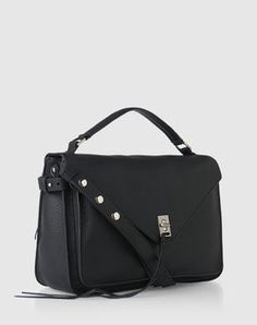 Handbag: 'Darren' from Rebecca Minkoff. Click on the picture to get the product ♥︎