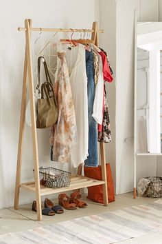 Wooden Clothing Rack | definitely my fave style clothing rack. Make this one!