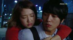 The 9 ultimate K-drama piggyback rides Korean Actors, Korean Actresses, Korean Dramas, Piggy Back Ride, Cn Blue, Jung Yong Hwa, Korean Name, Park Shin Hye, Flower Boys