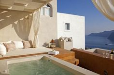 Almost every plausible luxury amenity that has been well-matched with modern day living are now available in the upscale luxury chalets and luxury villas in Spain and France.