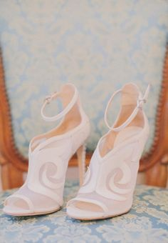 Chic shoes: http://www.stylemepretty.com/vault/image/1461244 Photography: LMVisual - http://lmvisual.com/