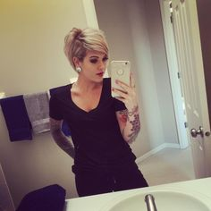 But first let me take a selfie Cute Hairstyles For Short Hair, Pretty Hairstyles, Short Hair Cuts, Bob Hairstyles, Pixie Cuts, Medium Hair Styles, Curly Hair Styles, Sassy Hair, Hair Affair