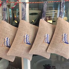 Organic Lavender Sachet with little embroidered deckchair. To the beach! info@nellyslittlegifts.nl