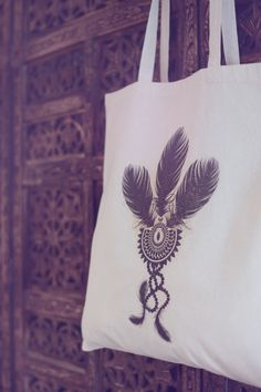 cotton tote bag - indian feathers  pin it here and buy it here - ingartdesigns @ etsy shop. https://www.etsy.com/uk/listing/191123964/cotton-tote-bag-indian-feathers?ref=shop_home_feat_3