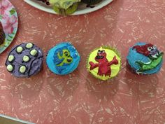Little Mermaid Cupcakes I decorated for my housemates birthday.