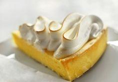 E per concludere una #cena tra amiche per la #festadelladonna è d'obbligo una coccola golosa... golosa come questa lemon meringue #pie: http://www.saporie.com/it/doc-s-142-12876-1-lemon_meringue_pie.aspx
