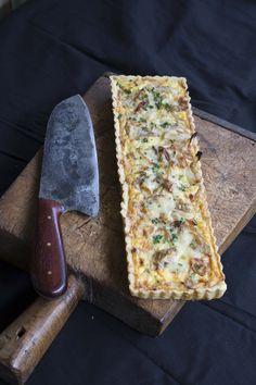 A super simple Onion Tart recipe ~ ღ Skuwandi Tart Recipes, Appetizer Recipes, Cooking Recipes, Appetizers, Onion Recipes, Quiche Recipes, Brunch Recipes, Vegetarian Recipes, Scones