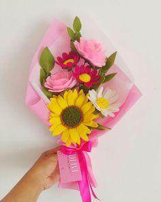 Rp.75.000 Peony, sunflower, daises by olive felt craft