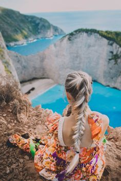 Best hairstyle for windy days! Fishtail / ponytail braid:-)   Picture from our trip to navagio/shipwreck/smugglers cove   Visit my blog for more pictures and inspo ❤️