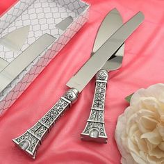 Eiffel Tower Cake Set features a cake knife and server in an Eiffel Tower design. Eiffel Tower Wedding Cake Server wll add Parisian flair to your reception. Parisian Cake, Cake Paris, Parisian Wedding, French Wedding, Blue Wedding, Dream Wedding, Paris Party, Paris Theme, Paris Decor