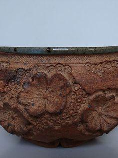 Je crée pour vous des bols en grès, contenants d'exception, intemporels, brut et précieux. Clay Ideas, Bowls, Creations, Pottery, Serving Bowls, Mixing Bowls