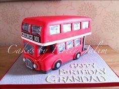 London bus  Cake by cakesbyhelen