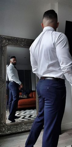 Scruffy Men, My Handsome Man, Business Outfit, Business Fashion, Indian Men Fashion, Mens Fashion, Men In Tight Pants, Costume Sexy, Moda Blog