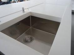 Systemat range polar white lacquer matt cabinetry designer white corian stainless steel - Van plan corian ...